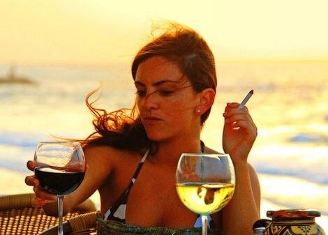 Пушачките навлизат рано в менопауза
