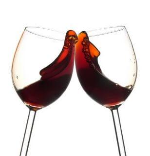 Пиеш червено вино и отслабваш?