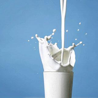 Нискомасленото мляко намалява риска от инсулт