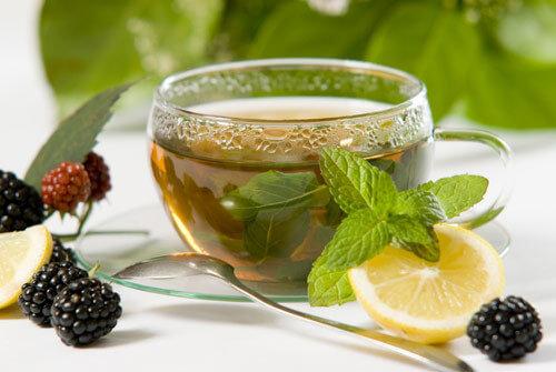 зеленият чай подпомага отслабването