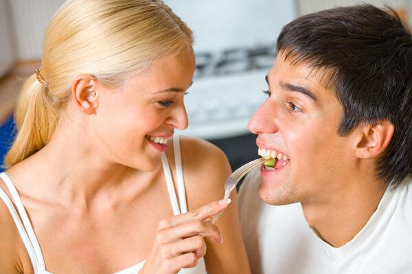 Обядът с мъже допринася за по-стройна фигура