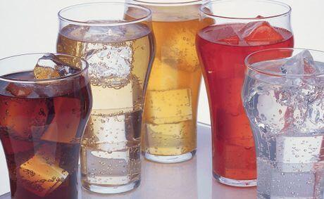 Злоупотребата със сладки напитки увеличава риска от рак