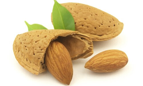 Бадемите – супер източник на хранителни вещества!