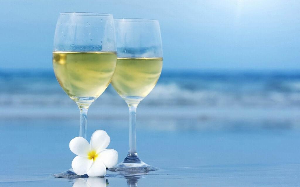 Бялото вино също е полезно за сърцето