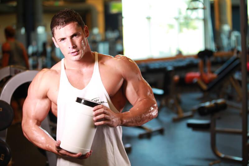 Какво e суроватъчeн протеин и какви са ползите от приема му