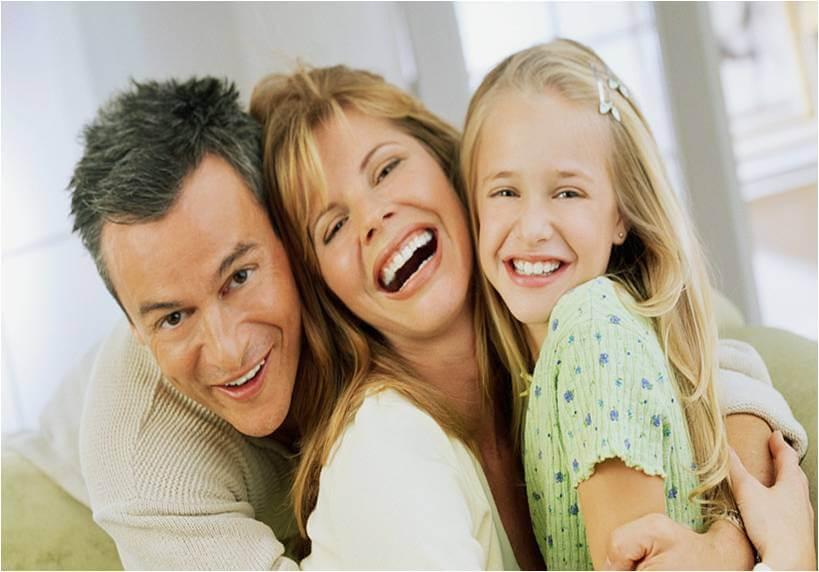 щастливи хора с омега 3