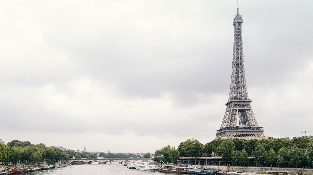 Във Франция, въпреки мерките за сигурност, ситуацията се влошава